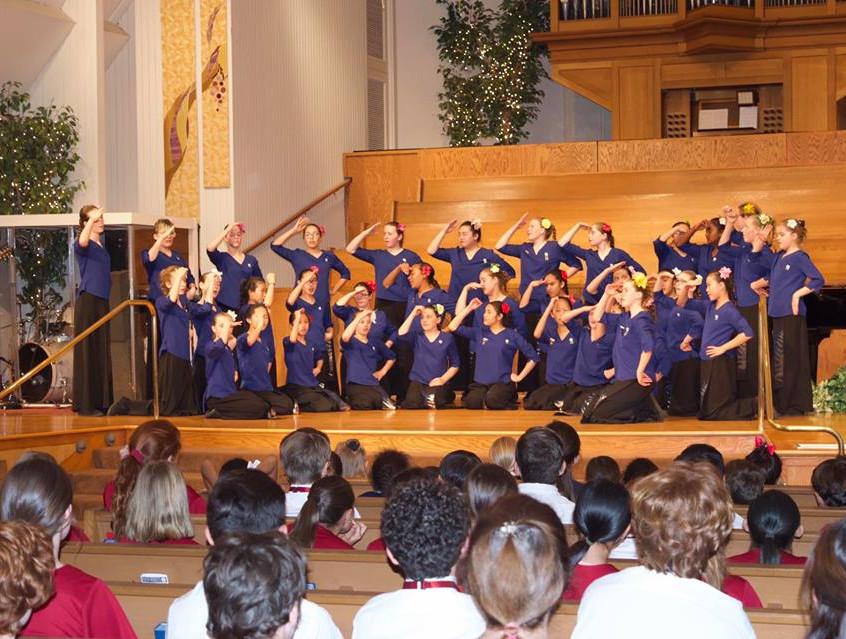 Auckland Girls' Choir performs