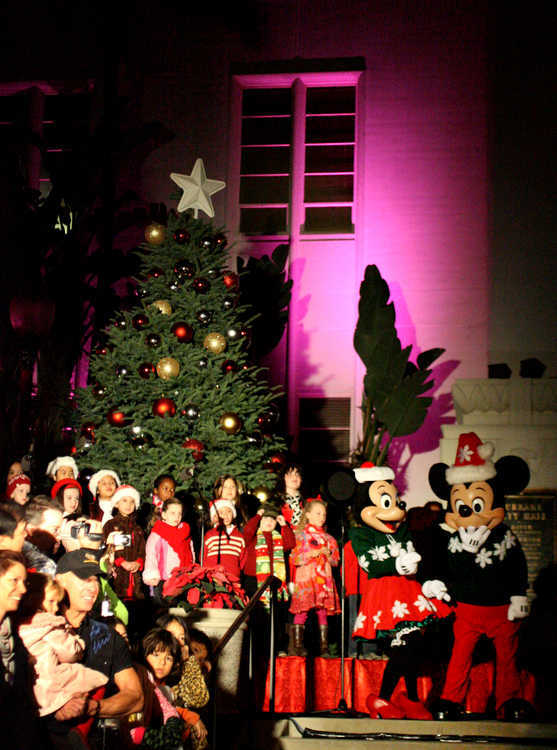 Burbank Tree Lighting, 2010
