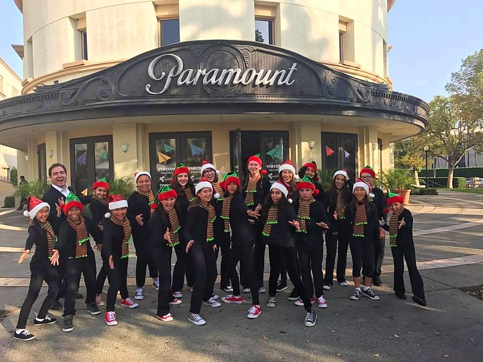 Christmas Carolers at Paramount