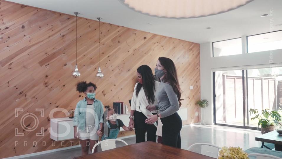 Realtor Shows Home to Single Mom