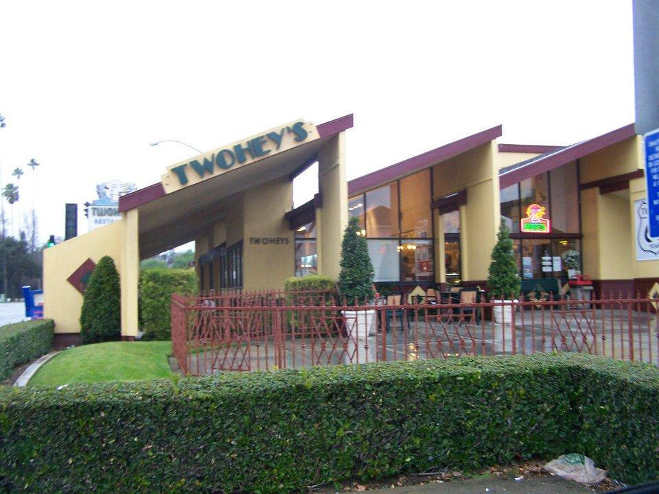 Twohey's, San Gabriel