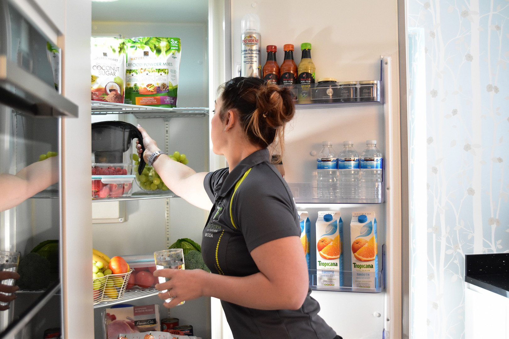 Healthy Fridge with Trainer 059.jpg
