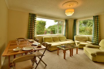 Lounge 02.jpg