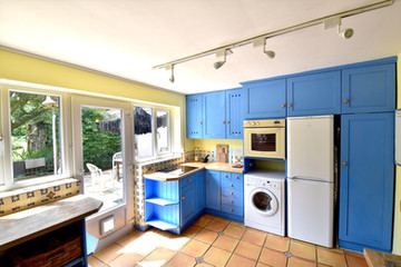 Little Oaks MR Shared Kitchen 03.jpg