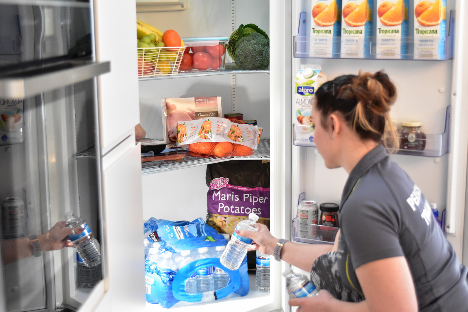 Healthy Fridge with Trainer 049.jpg