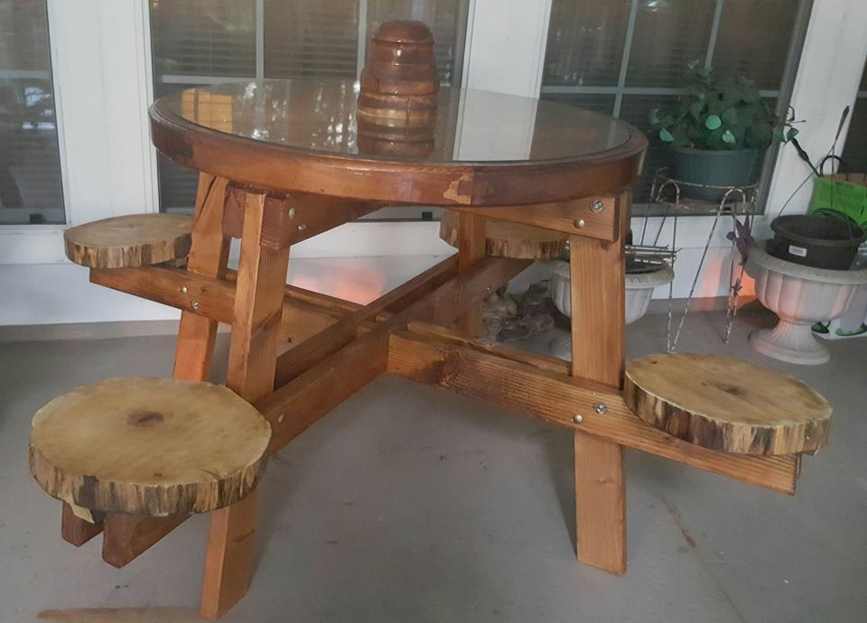 Wagon Wheel Pic-nic Table