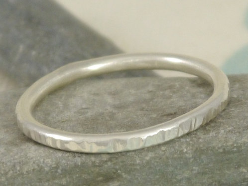 Men's Slim Textured Ring