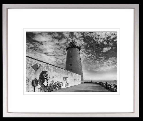 Lighthouse Great South Wall A3 inkjet print White Ash Frame