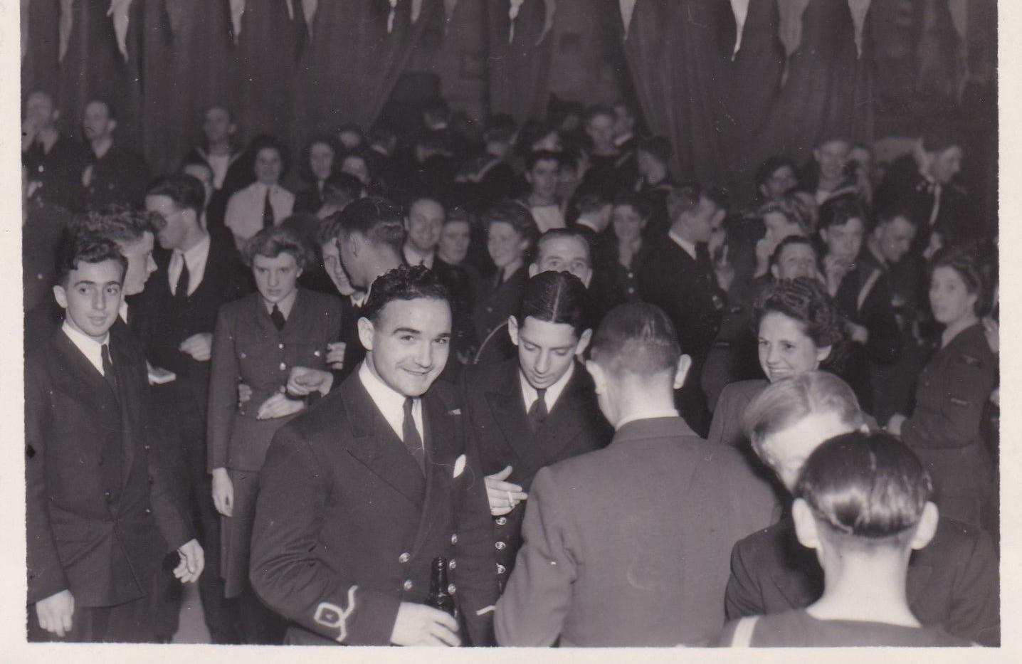 WW2 gathering with men & women in uniform