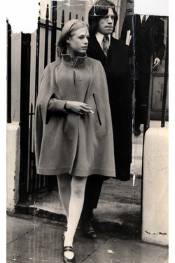 Marianna-Faithful-60s-Fashion-1