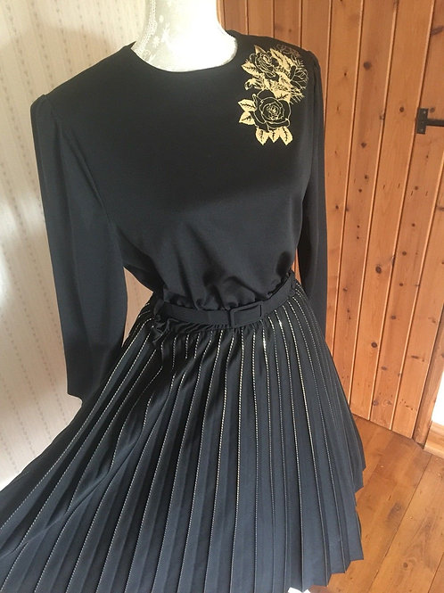 Pleated Dress with Motif