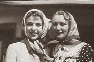 1930s 2 ladies headscarve