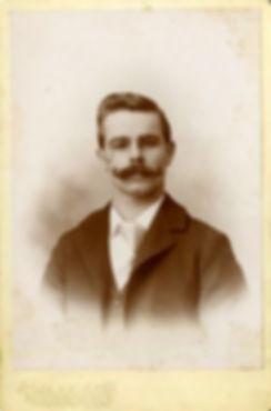 victorian-mustache-men-5.jpg