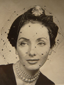 1950s, birdcage worn futher back on the head
