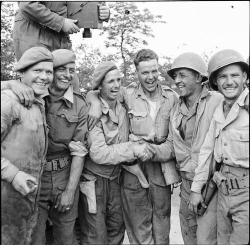 British Troops & GIs in Italy