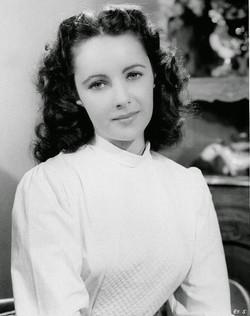 Elizabeth Taylor's Beauty in Her Teen Years (18)