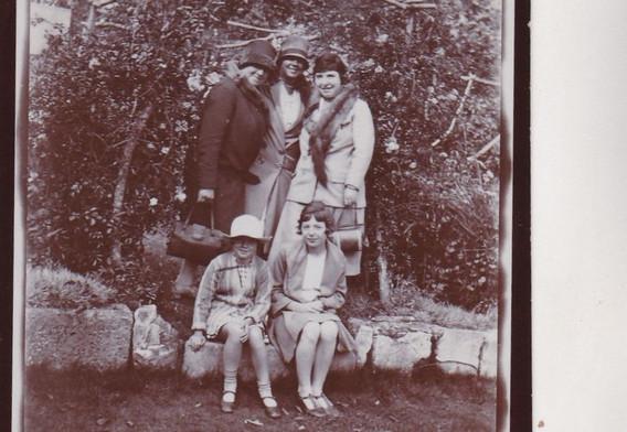 Women & Girls 1920s
