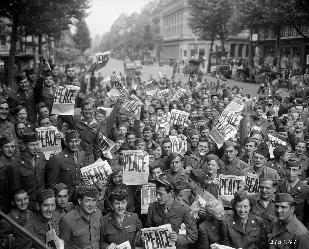 American GIs in Paris on VE day