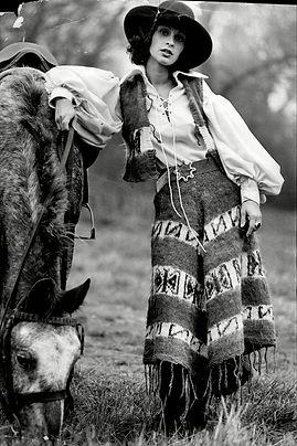 1970s-fashion-Laura-Ashley-1.jpg