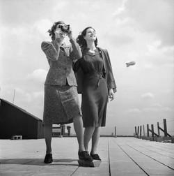 -fashions-1943
