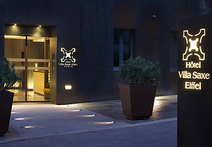 la villa de saxe-facade-nuit-01 md.jpg