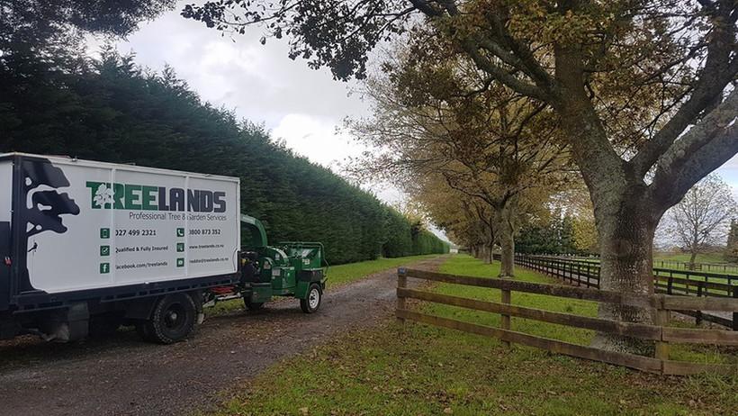 treelands-truck-and-chipper.jpg