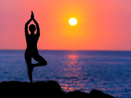 5 תנוחות יוגה שכל גולש גלים חייב להכיר
