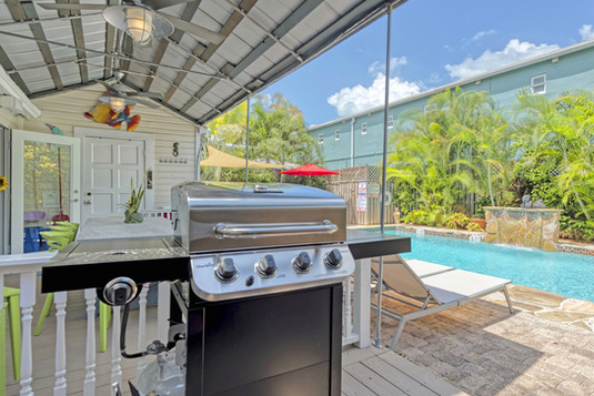 Pool Deck - Grill Pool Dining.jpg