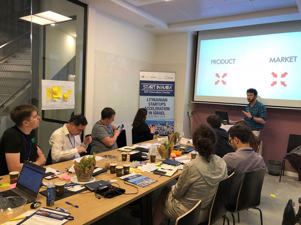 """Marketing lecture held during Lithuanian one-week acceleration program at the """"Start in Haifa"""" startups acceleration center"""
