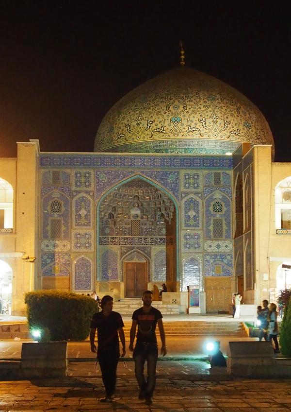 sheikh-lotfollah-2.png
