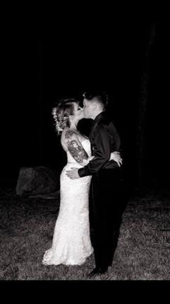 Ashley & Chelesy - Night Kiss