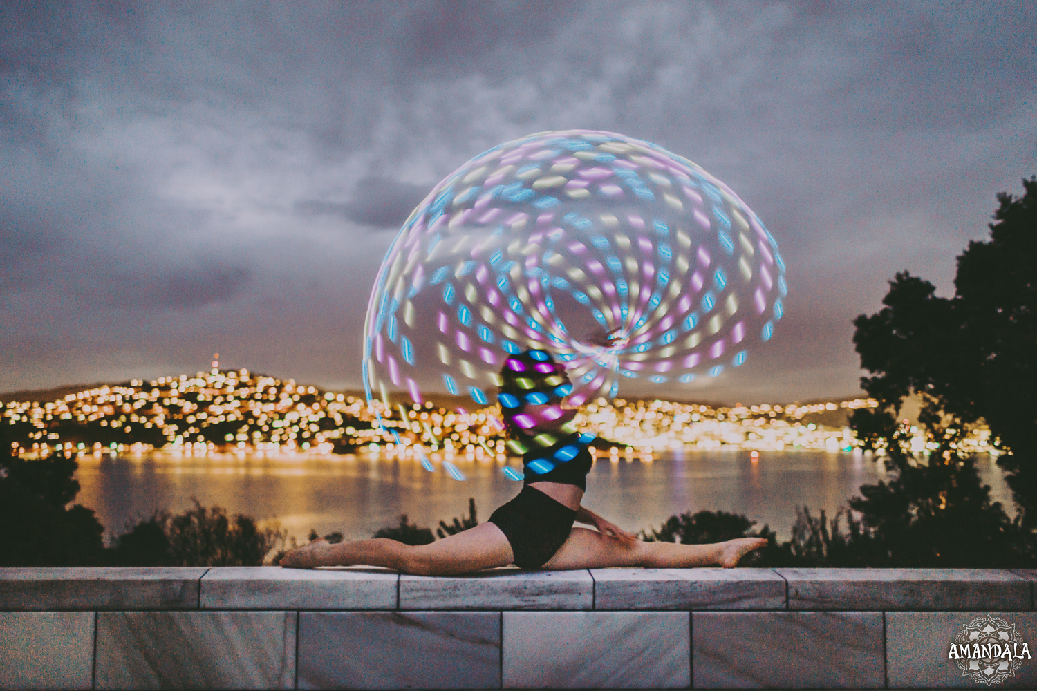 LED hula hoop splits_Amandala Photograph