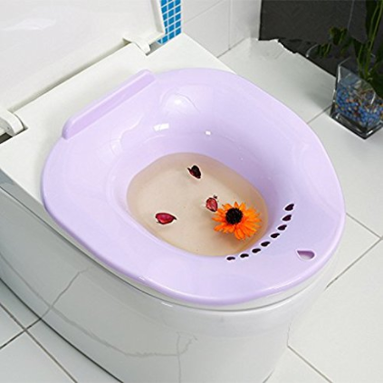 Рис. 1. Сидячие ванночки полезны при геморрое.