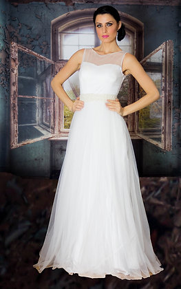 White tulle gown with pearl waistband