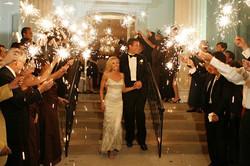 sparklers_via_wedding_bee.jpg