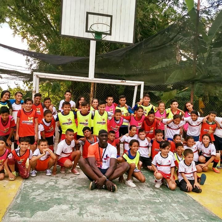 Visita de Walle Adekunbi Entrenador del Tottenham Inglaterra