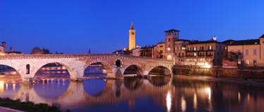ponte pietra notte.jpg