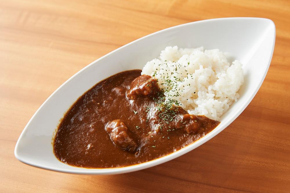 名古屋久屋大通公園-エロイーズカフェ-にて「幻のカレー」で作った揚げたてカレーパンの販売を開始致します!