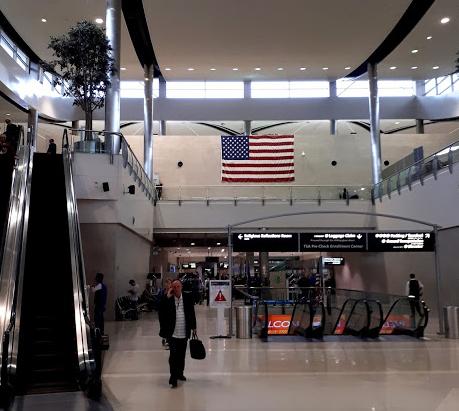 Conexão no aeroporto de Detroit