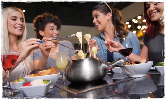 Saboreie fondue no restaurante Melting Pot