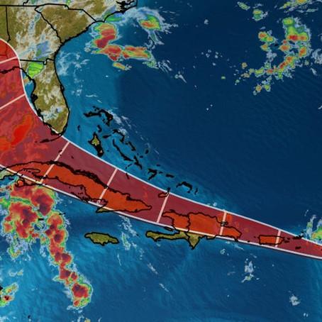 Flórida monitora dois fenômenos tropicais