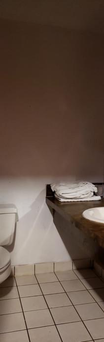 bathroom_1.jpeg