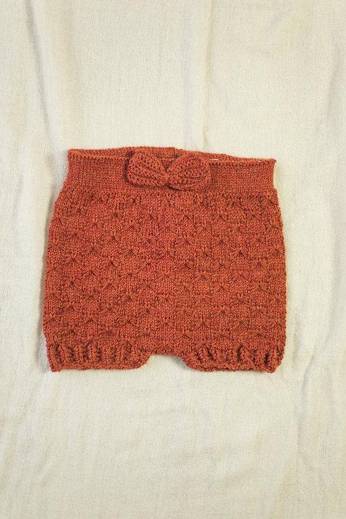 Hjemmestrikket shorts (9-12mnd)