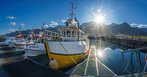Naera-Fishing-boats-in-the-harbor-Faskru