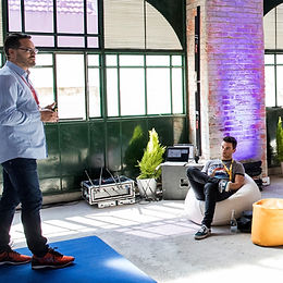 Frank Lampartner giving a conference during redbull futurio 2019