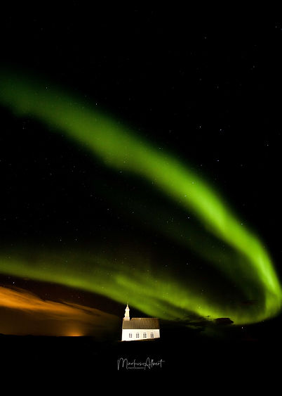 Aurora above icelandic church.jpg