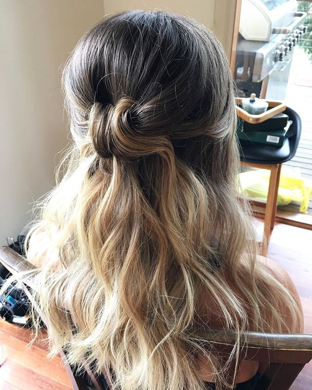 ✨BOHO HAIR✨ half up & knotted with shake