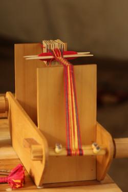 Tablet weaving equipment