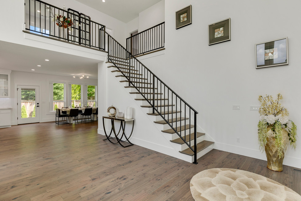 Entry / Stairs Furnished
