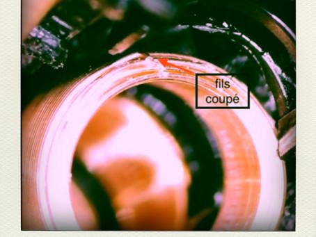 Réparation au microscope d'un Micro haut-parleur piezo pour un labo de recherche du CNRS